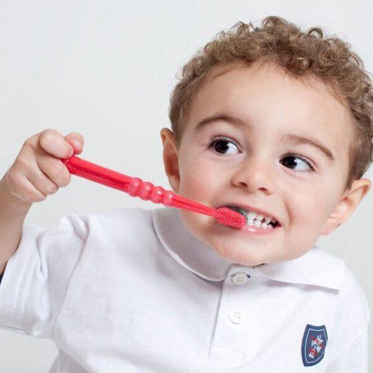 Кожен сьомий малюк у віці 3-ох років вже страждає від карієсу!