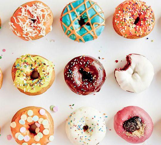 Солодкі пончики – гіркі наслідки для зубів