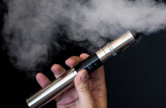 Використання електронних цигарок згубно впливає на стан ясен