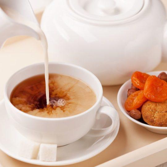 Полезные свойства Чая с Молоком