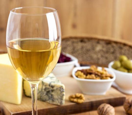 Стоматологи оценили «правило белого вина и сыра»