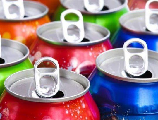 Энергетические напитки разрушают зубы подростков