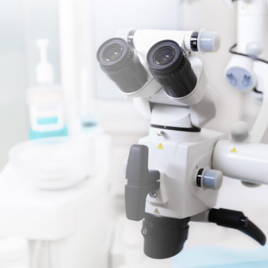 Лікування зубів під мікроскопом